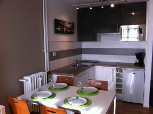 Appartement St.Cyprien, Apartmány  Toulouse - big - 5