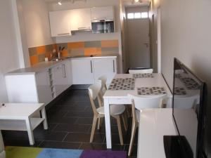 Appartement St.Cyprien, Apartments  Toulouse - big - 15