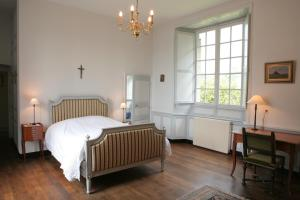 Le Logis d'Equilly, Bed and Breakfasts  Équilly - big - 31