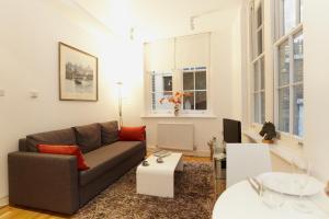 Saint Paul's Apartment