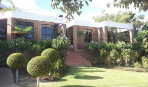 Luxurious home stay on Golf Estate
