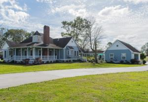 A Chateau on the Bayou Bed & Breakfast - Accommodation - Raceland