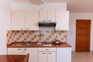 Apartments Villa Supertom, Ferienwohnungen  Povljana - big - 21