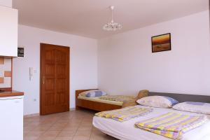 Apartments Villa Supertom, Ferienwohnungen  Povljana - big - 20
