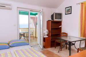 Apartments Villa Supertom, Ferienwohnungen  Povljana - big - 10