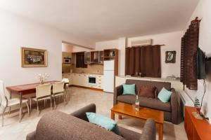 Villa Akros and Suites, Apartmány  Keríon - big - 35