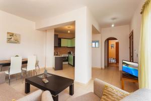 Villa Akros and Suites, Apartmány  Keríon - big - 31