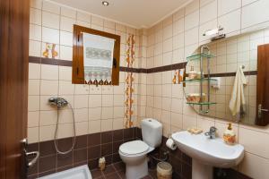 Villa Akros and Suites, Apartmány  Keríon - big - 27