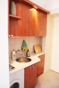 Lux Apartman, Apartments  Budapest - big - 2