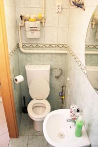 Lux Apartman, Apartments  Budapest - big - 7