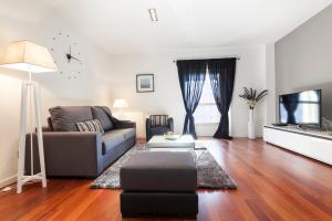 (Friendly Rentals Plaza Catalunya)