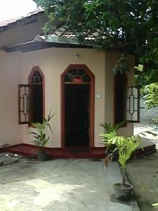 (Green Cottage Villa renters)