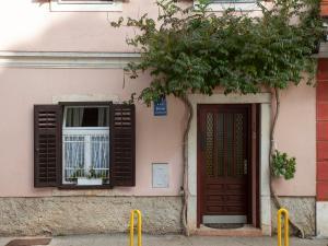 Apartments Caus 396