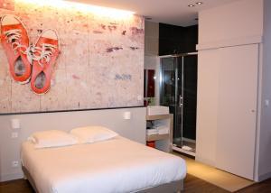 德拉普莱斯酒店 (Hotel de la Presse)