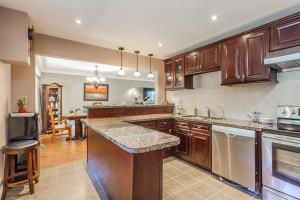 George & Wendy Home, Ferienhäuser  Toronto - big - 5
