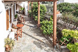 Arxontiko, Guest houses  Tinos Town - big - 31