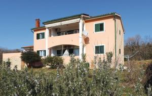 Two-Bedroom Apartment Koromacno with Sea View 03