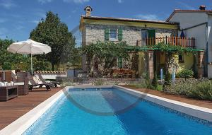 Two-Bedroom Holiday home Labin 09