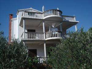Apartments Villa Jadran 1240