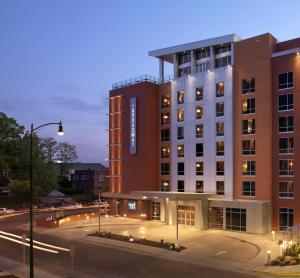 The Broadway Columbia - a DoubleTree by Hilton Hotel