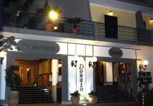 Hotel Ristorante Donato, Hotely  Calvizzano - big - 84