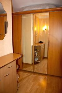 Apartment na Oktyabr'skoy Revolyutsii, Apartmány  Sevastopoľ - big - 12