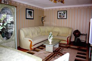Apartment na Oktyabr'skoy Revolyutsii, Apartmány  Sevastopoľ - big - 2