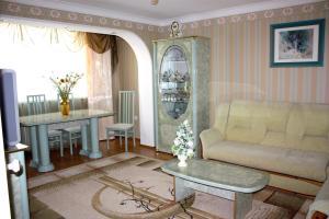Apartment na Oktyabr'skoy Revolyutsii, Apartmány  Sevastopoľ - big - 1