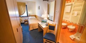 Hotel Cristallo, Hotels  Peio Fonti - big - 8
