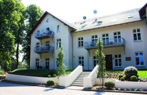 Schloss zu Hohen Niendorf - Ferienwohnung 13