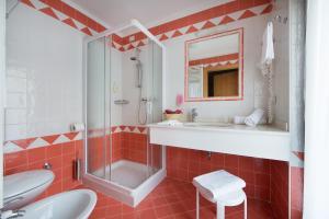Hotel Cristallo, Hotels  Peio Fonti - big - 7