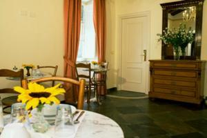 Review Casa De Fiori Apartments