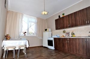 Apartment Gennadiya Donkovtseva 11