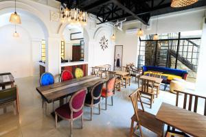 Tambayan Capsule Hostel & Bar, Хостелы  Манила - big - 19