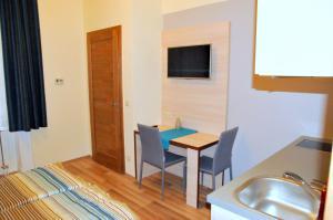 Frank & Fang Apartments, Apartments  Budapest - big - 14