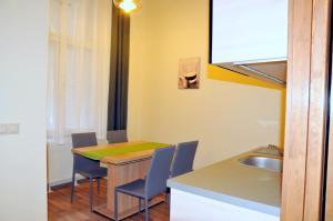 Frank & Fang Apartments, Апартаменты  Будапешт - big - 34