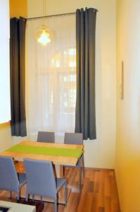 Frank & Fang Apartments, Апартаменты  Будапешт - big - 35