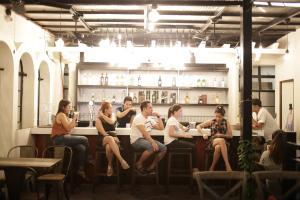 Tambayan Capsule Hostel & Bar, Хостелы  Манила - big - 22