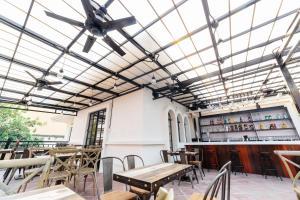 Tambayan Capsule Hostel & Bar, Хостелы  Манила - big - 23