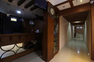 Srivar Hotels, Отели  Guruvāyūr - big - 47