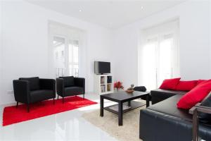 Friendly Rentals Reina Sofia III