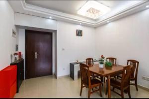 CBD Three-Bedroom Apartment Guangzhou Zhujiang New Town