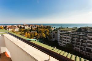 Emerald DH Property, Апартаменты  Равда - big - 41