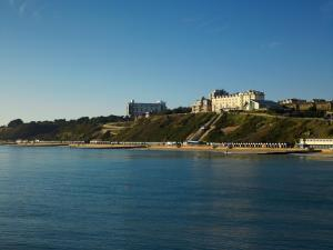 فندق بورنموث هاي كليف ماريوت (Bournemouth Highcliff Marriott Hotel)