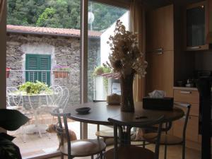 Casa Med Holiday Home, Ferienhäuser  Isolabona - big - 3
