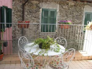 Casa Med Holiday Home, Holiday homes  Isolabona - big - 5