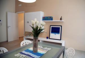 Apartment Corso Cavour, Apartmány  Bari - big - 19