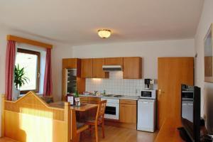 Ferienwohnungen Seerose direkt am See, Apartmány  Millstatt - big - 56