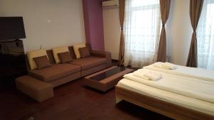 Grand'Or Studio Apartments, Apartmány  Oradea - big - 4