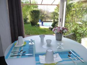Mascarisle, Bed & Breakfasts  Libourne - big - 25